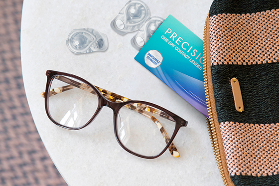 Verres de contact ou lunettes?