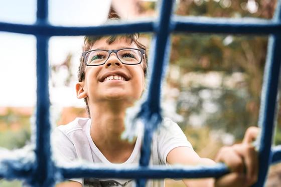 ralentir la progression de la myopie chez les enfants